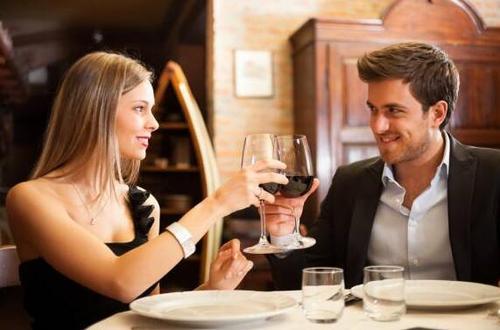 男生为什么吃女生剩下的菜 男生吃女生剩下的菜是喜欢吗