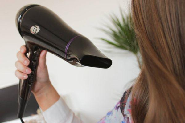 假发可以喷啫喱水吗 假发可以用发蜡吗