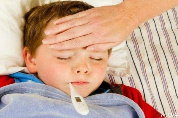 宝宝发烧的原因 为什么宝宝会发烧
