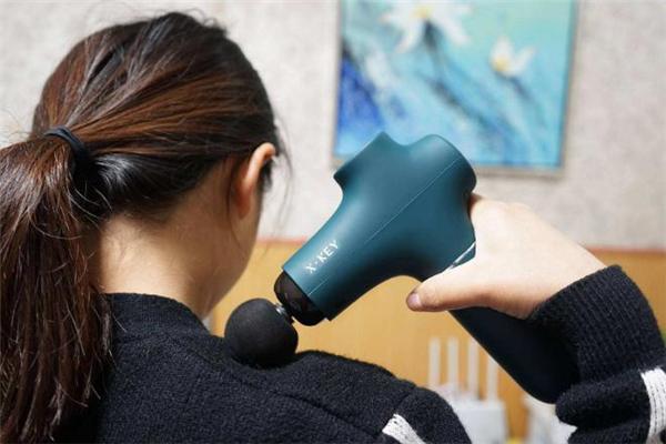 筋膜枪对肩周炎有效果吗 筋膜枪对颈椎病有用吗