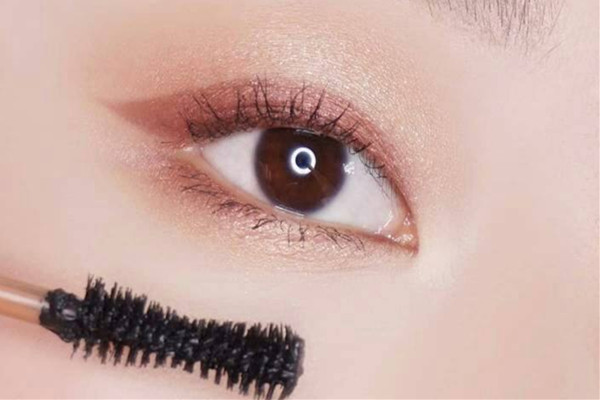 单眼皮化眼妆要注意什么