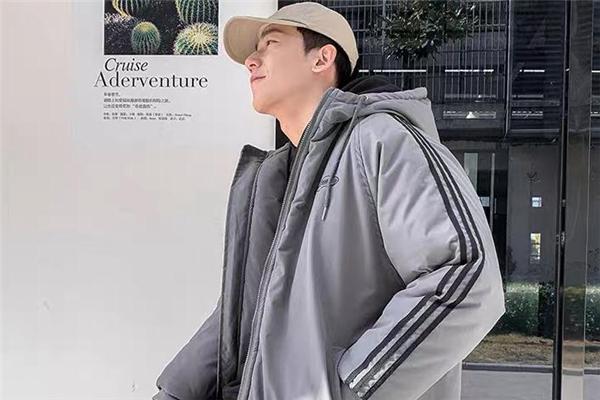 灰色棉服配什么帽子好看