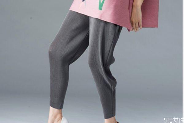萝卜裤怎么穿好看 萝卜裤的搭配方法