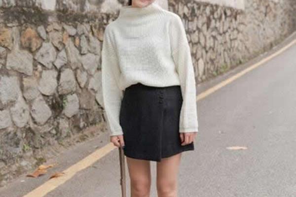 黑色半身裙怎么搭配显时尚 黑色半身裙显时尚的搭配方法