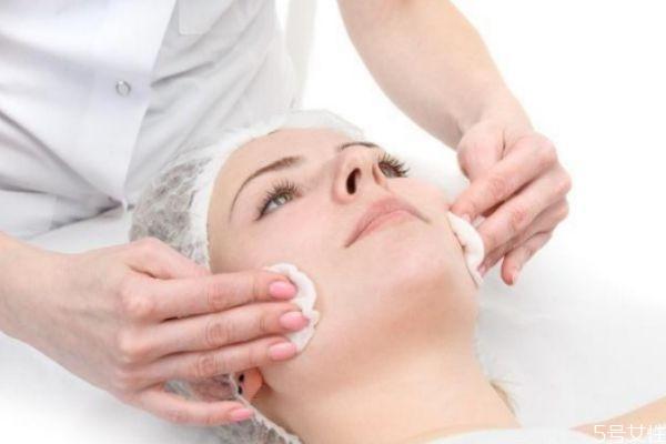 皮肤闭口是什么意思 长闭口的正确消除方法