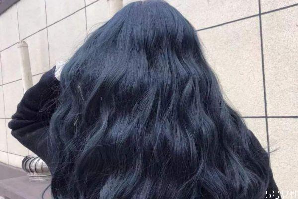 烫头发后掉发是什么原因 烫头之后掉发严重怎么回事