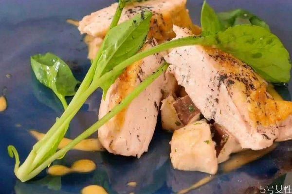 鸡胸肉怎么做好吃 鸡胸肉的简单做法