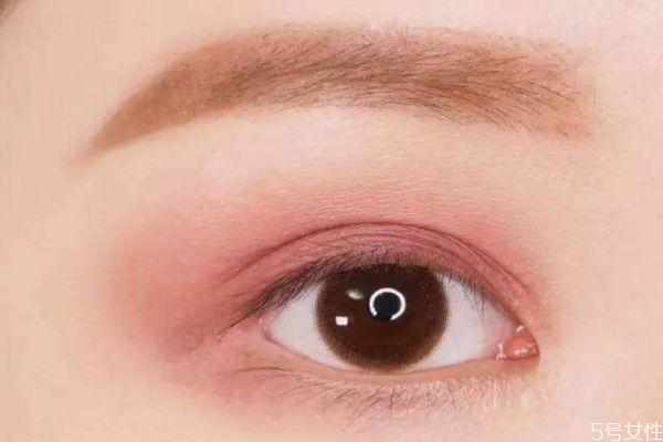 藕粉色眼妆怎么画 怎么画藕粉色眼妆好看