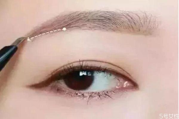 眉毛怎么定妆才会不脱妆 眉毛脱妆怎么处理