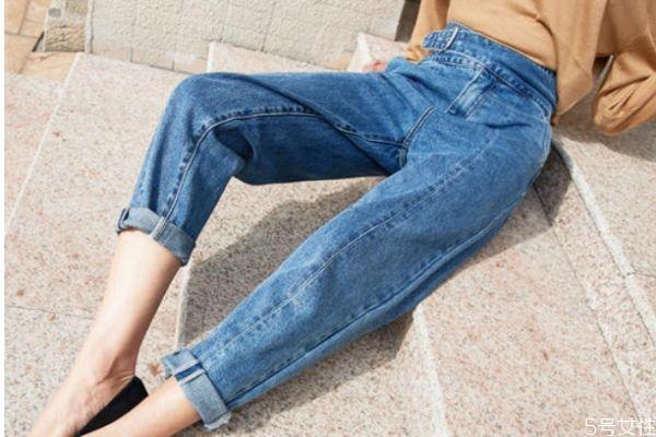 萝卜裤和烟管裤的区别 萝卜裤和烟管裤的不同