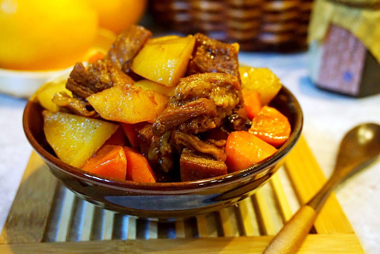 土豆烧牛肉怎么做好吃 土豆烧牛肉的做法