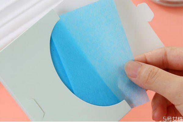用吸油纸会长痘痘吗 油痘皮该不该用吸油纸