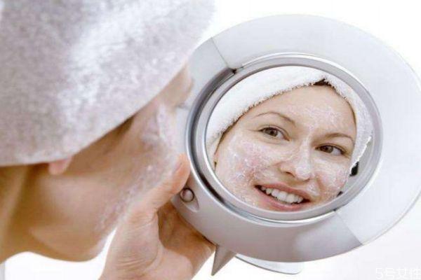 脸上长痘可以敷清洁面膜吗 清洁面膜要避开痘痘吗