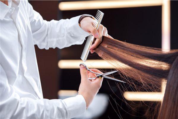 理发器斜齿梳怎么使用 理发器限位梳怎么用