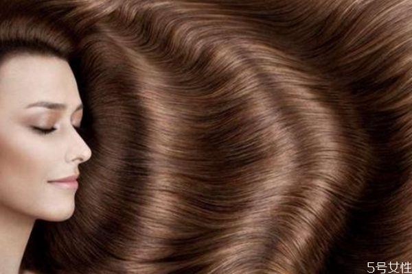 头发毛躁软化还是拉直 软化和拉直的区别
