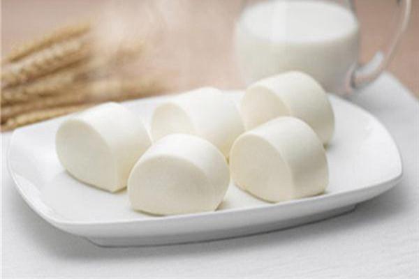 牛奶馒头怎么做好吃 牛奶馒头怎么做又软又香