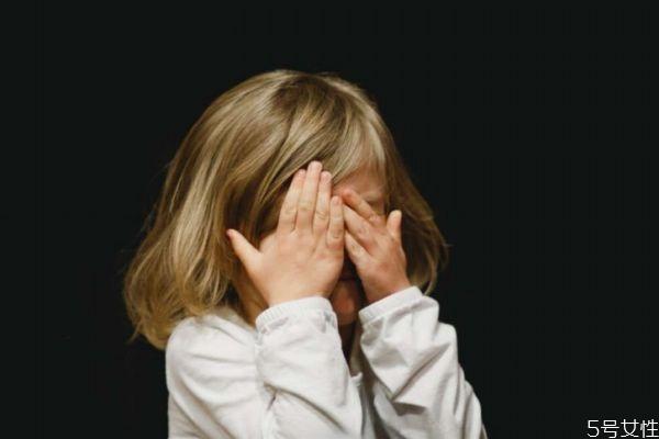 离婚后怎么照顾孩子的心理 怎么避免孩子遭受离异的伤害