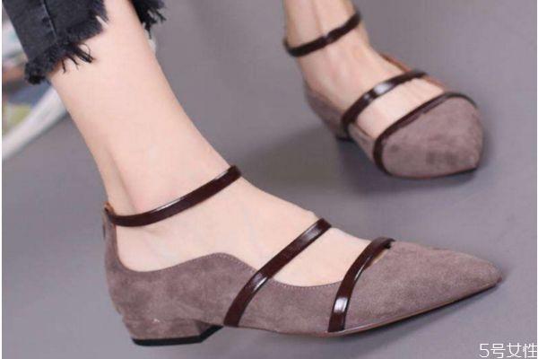 尖头鞋怎么搭配好看 尖头鞋的搭配技巧