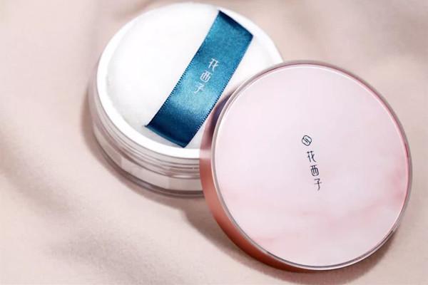 夏季好用的定妆散粉有哪些 夏季好用的定妆散粉推荐