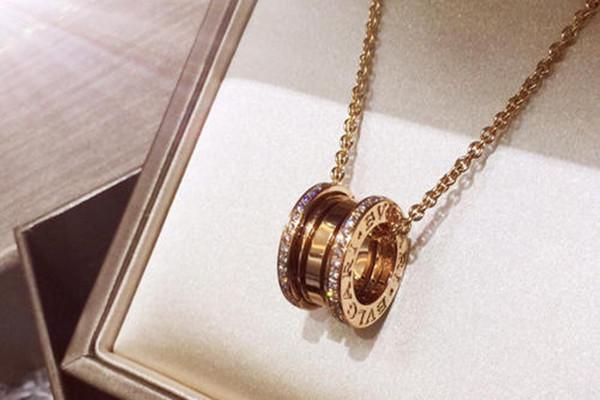 宝格丽弹簧项链好看吗 宝格丽弹簧项链是什金