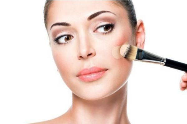 化妆会造成痘痘吗 痘痘肌最正确化妆方法