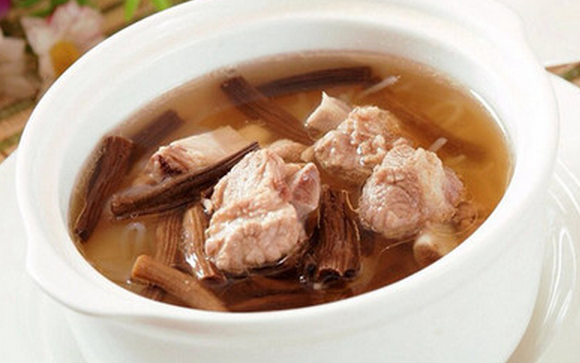 茶树菇炖排骨怎么做 茶树菇炖排骨的方法