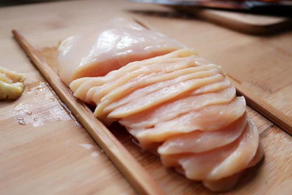 吃鸡胸肉真的减肥吗 吃鸡胸肉可以减肥吗