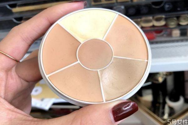 遮瑕膏使用痕迹明显怎么解决 如何正确使用遮瑕膏