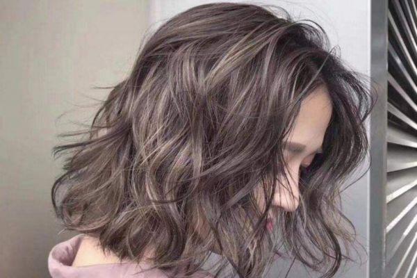 头发刚烫完能拉直吗 烫发后不卷可以重烫吗
