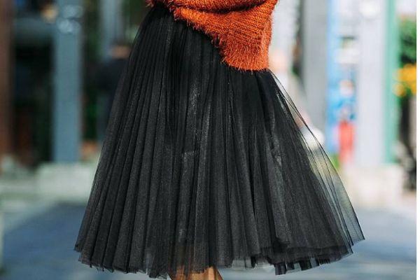 半身纱裙怎么搭配上衣 半身纱裙搭配上衣的方法
