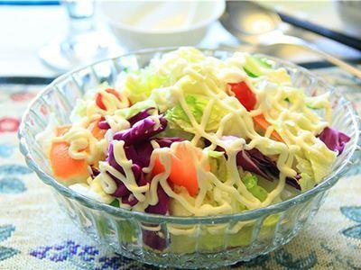 果蔬沙拉怎么做好吃 果蔬沙拉的做法