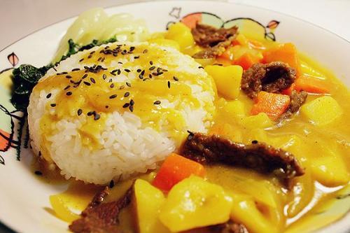 咖喱牛肉饭怎么做好吃 咖喱牛肉饭的做法