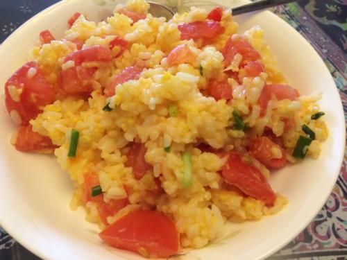 番茄炒饭怎么做好吃 番茄炒饭的做法