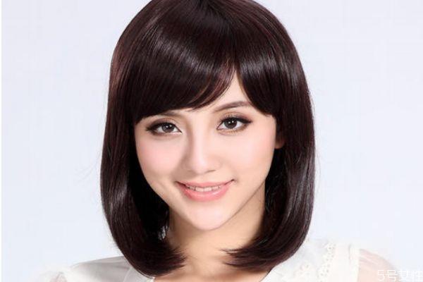 额头大适合什么发型 额头大怎么选择发型