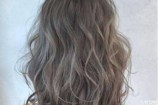 染的头发颜色不喜欢怎么快速褪色 什么发色掉色不发黄