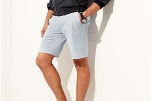 男士夏天怎样搭配短裤 男士搭配短裤要注意事项