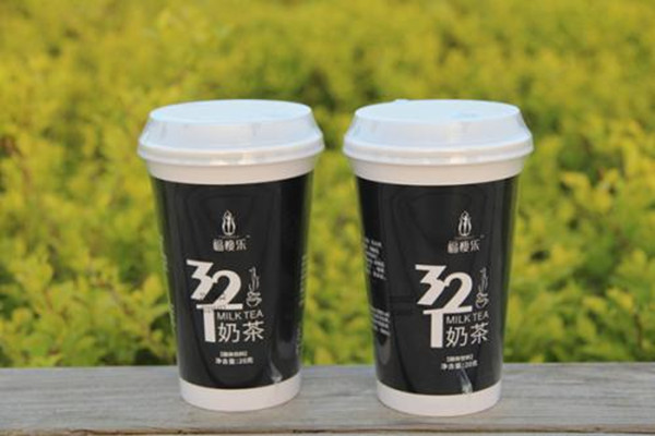 代餐奶茶一杯的热量是多少 代餐奶茶会危害健康吗