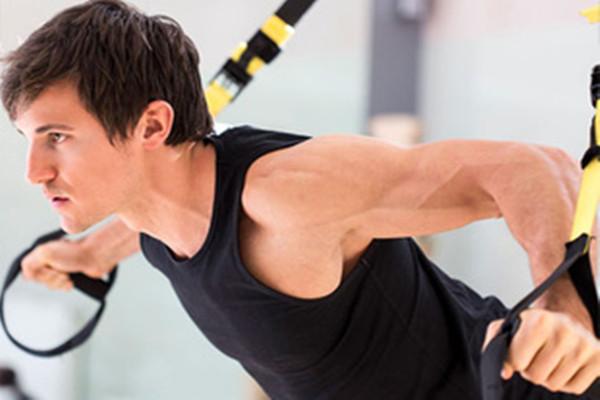 拉力带健身的优势 拉力带怎么锻炼肩部肌肉