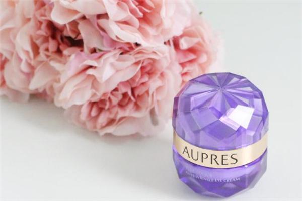 欧珀莱小紫钻眼霜多少钱 欧珀莱小紫钻眼霜适合什么年龄
