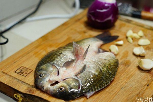 烤箱怎么做烤鱼 烤箱做烤鱼的方法