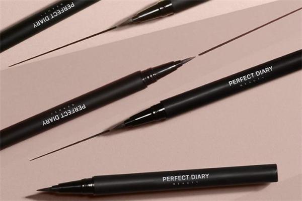 完美日记眼线液笔容易晕妆吗 完美日记眼线液笔会掉渣吗