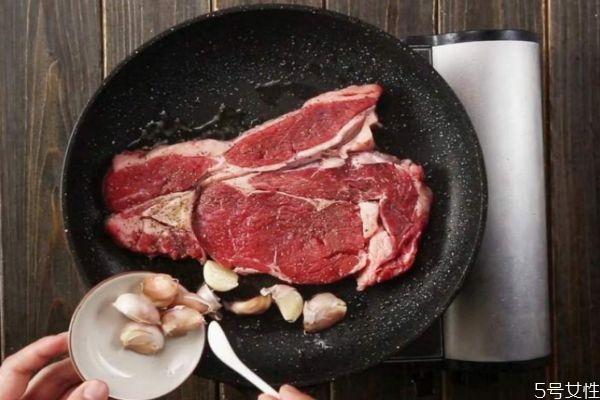 在家怎么自己煎牛排 自己煎牛排的方法