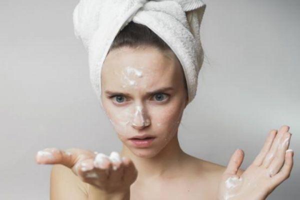只有鼻子出油是混油皮肤吗 混油皮肤是怎么样的