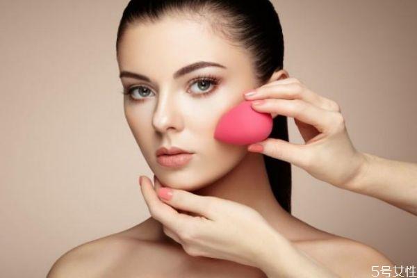 高光口红适合哪些妆容 化妆一定要上高光吗