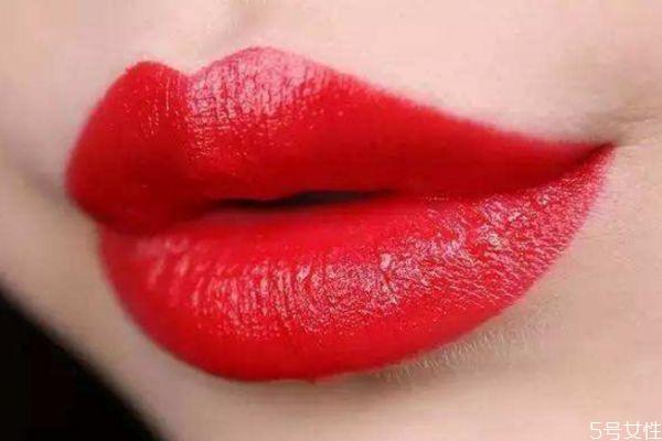 厚嘴唇怎么锻炼变薄图片