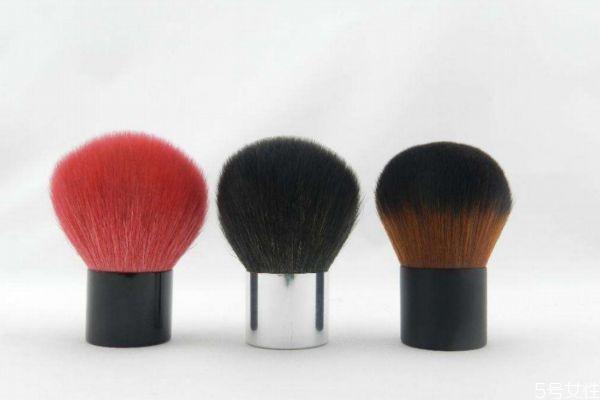如何清洁腮红刷 腮红刷的清洁方法
