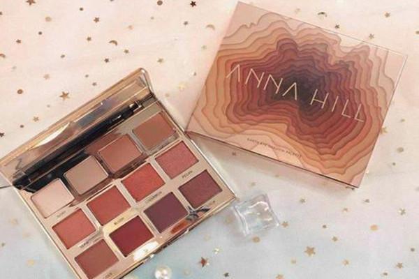 anna hill眼影盘几个颜色 anna hill眼影盘化妆方法