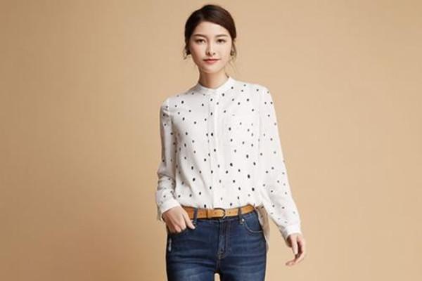 波点衬衫怎么搭配裙子 波点衬衫的搭配技巧