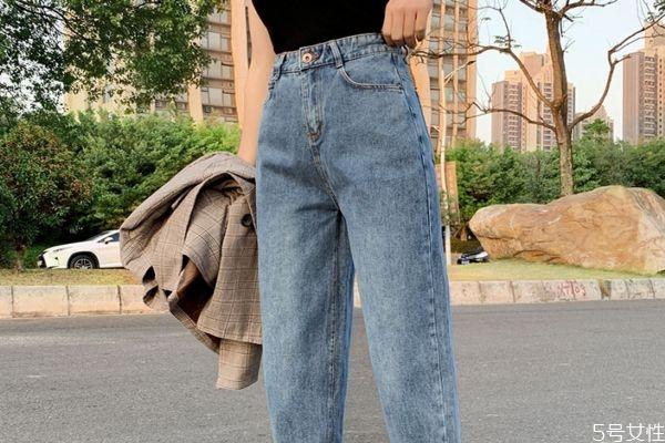 牛仔裤太瘦怎么弄肥点 裤子太瘦怎么弄小妙招