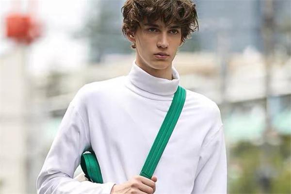 高领打底衫什么颜色好看 高领打底衫流行什么颜色